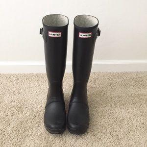 Hunter Matte Boots